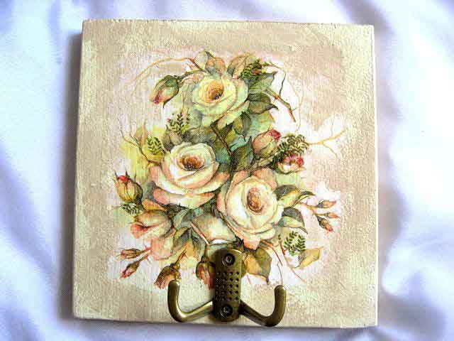Cuier haine cu doua agatatori, design trandafiri galbeni infloriti 26226