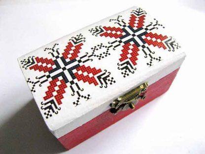 Cutie femei, cutie lemn lucrata manual cu motive geometrice 28945