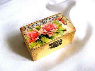 Cutie lemn natur cu model floral sub forma de carte postala 29056