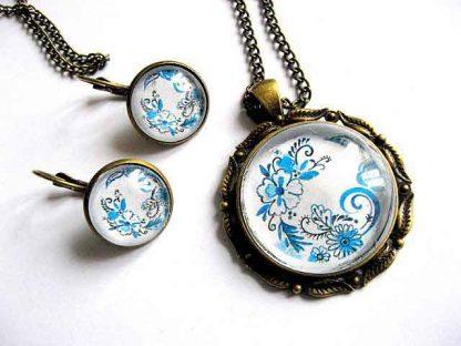 Flori stilizate culori albastru si bleu, set cercei, colier si pandantiv 29026