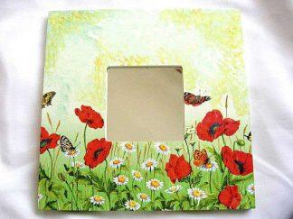 Model maci, flori de musetel si fluturi, oglinda femei lucrata manual 17271