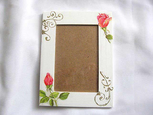 Rama foto de lemn cu trandafiri rosii, rama fotografie 27539