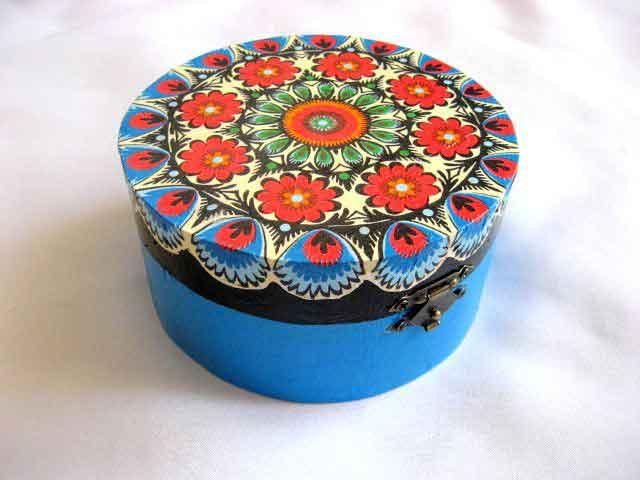 Cufar din lemn de forma rotunda, cufar cu motive traditionale 28122