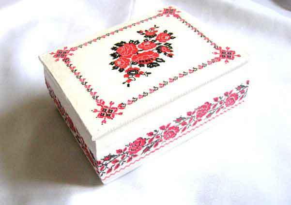Cutie cu motive traditionale sub forma de modele florale, cutie femei 29326
