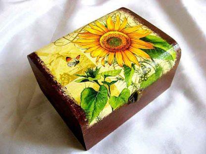 Cutie floarea soarelui si fluturi, cutie lemn culori pastelate 29366