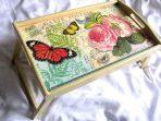 Masuta tava de lemn cu model de fluturi si trandafiri, tava servire masa 26336 poza a 2a