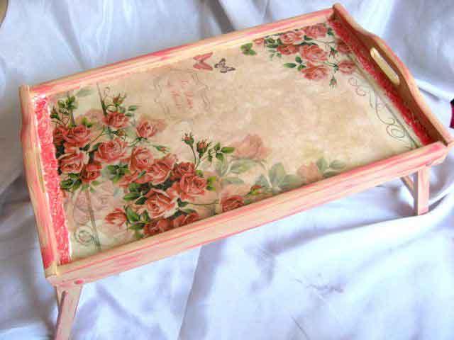 Masuta tava servire masa, masuta lemn design trandafiri si fluturi 24555
