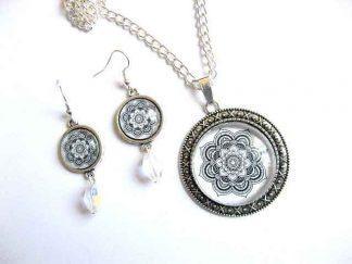 Set colier cu pandantiv si cercei cu model traditional, set bijuterii 29148.