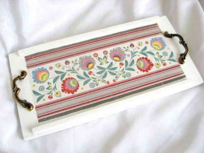 Tava de lemn cu manere si cu motive traditionale romanesti, tava mic dejun 26878