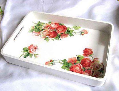 Tava design trandafiri rosii si roz, tava lemn natur servire masa 26204