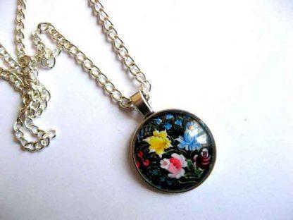 Colier si pandantiv model floral, flori albastre, galbene si rosii 29434