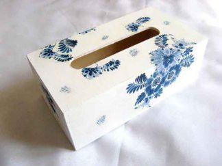 Cutie servetele cu modele florale stilizate culoare albastra, cutie lemn 29501
