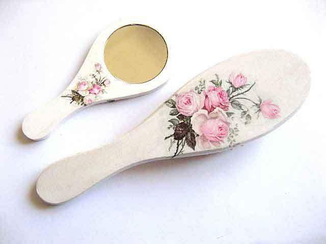 Design buchet trandafiri roz, set perie par si oglinda 29411 poza a 2a