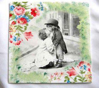 Fata si baiat pupandu-se, tablou alb negru, ornamente florale, tablou panza 27507