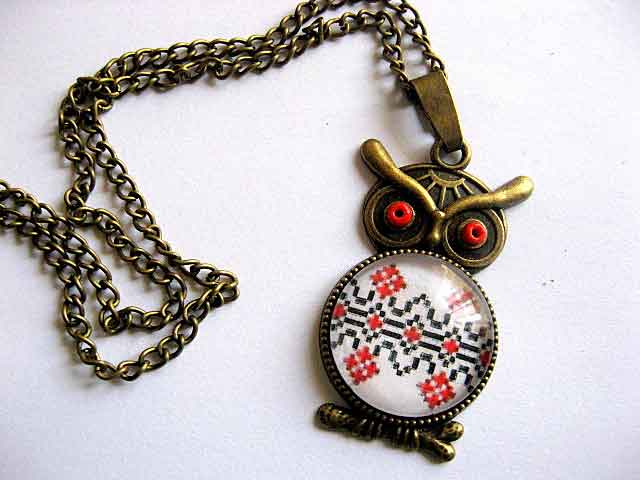 Pandantiv bufnita cu motiv traditional romanesc, bijuterie femei 29546