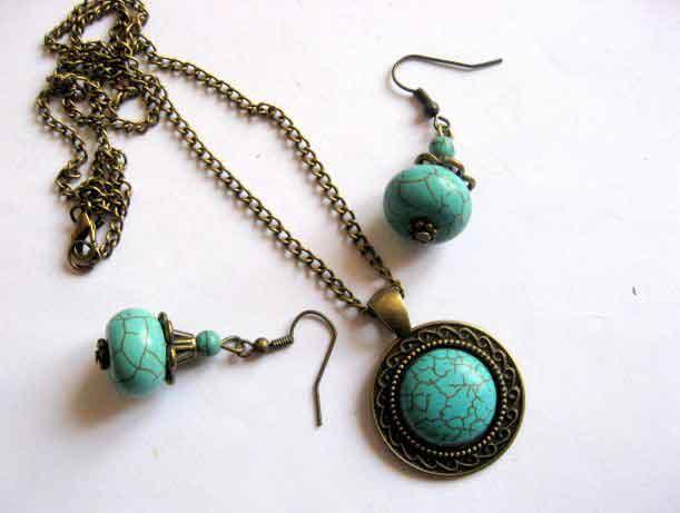 Set bijuterii colier, pandantiv si cercei, pietre turcoaz si bronz 29493