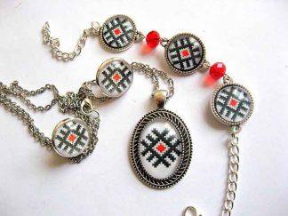 Set bijuterii motive traditionale, set cercei, bratara, colier si pandantiv 29482