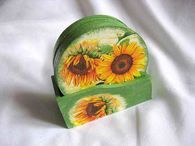 Suporturi cu floarea soarelui pe fundal verde, suporturi pahare si cani 26673 poza a 2a