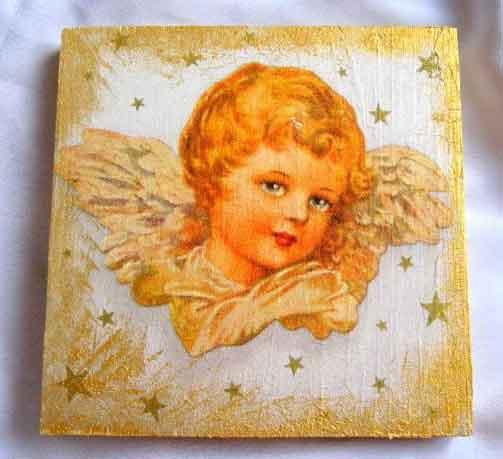 Tablou cu inger - cap si aripi pe fundal galben, tablou pe lemn 16734