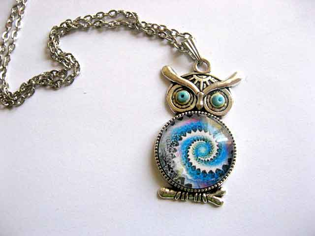 Univers in spirala, culori albastru, negru, alb si roz, bijuterie femei 29541