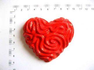 Magnet frigider sub forma de inima, magnet cu inima rosie cu striatii 17981
