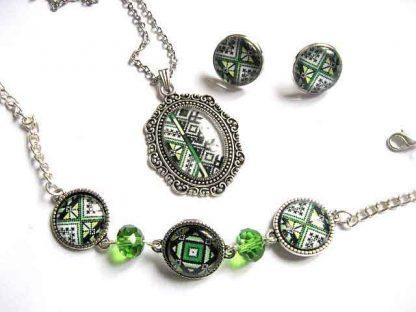 Set bijuterii femei cu motiv traditional si cristale verzi, set lucrat manual 29679