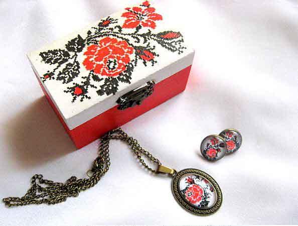 Set cadou, cutie si bijuterii femei, set cu motive traditionale 29693