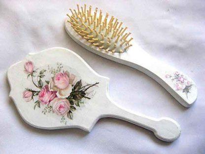 Set buchet trandafiri roz, set cadou oglinda si perie par femei 29835