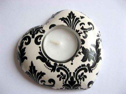 Suport in forma de inima cu ornamente negre, suport lumanare ipsos 20984