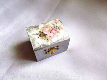 Cutiuta cu trandafiri roz, cutie lemn decorata model 31889