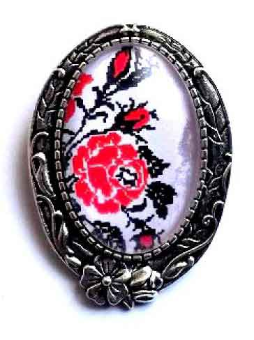 Brosa cu model traditional, brosa trandafiri stilizati 32244