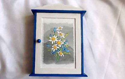 Dulapior flori de musetel si flori albastre, dulapior chei 32085 poza exterior