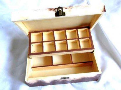 Buchet lalele rosii pe fundal galben, cutie lemn 32513 interior
