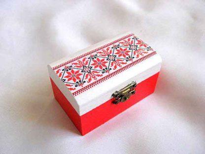 Cutie cu motiv traditional rosu, negru si alb, cutie model 27885