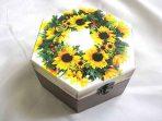 Cutie lemn hexagon cu model de floarea soarelui, cutie decorata 28477