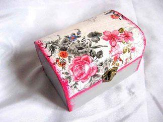 Flori colorate si negre pe un fundal gri, cutie lemn 27949