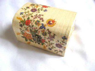 Flori de tara viu colorate, cutie de lemn 27645