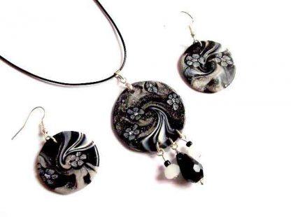 Bijuterii alb si negru, set bijuterii femei cercei si colier 32770