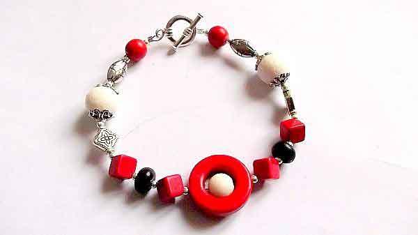 Bratara forme regulate si neregulate, bratara coral alb, howlit rosu si negru 32150