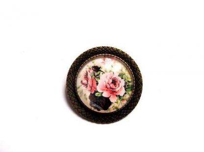 Brosa cu trandafiri roz, brosa rotunda metal si sticla 32379