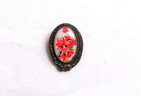Brosa ovala cu maci rosii, brosa metal si sticla 32278