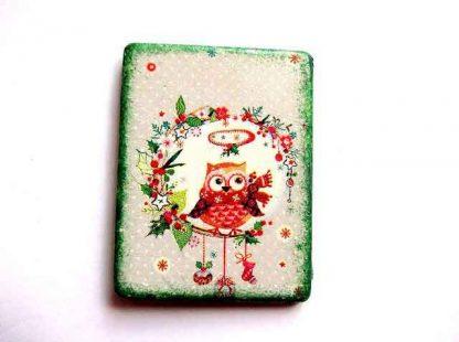 Bufnita imbracata si cu fular si cu decoratiuni de iarna, magnet frigider 31851