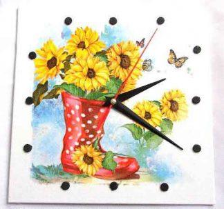 Ceas cu o cizma cu floarea soarelui si fluturi, ceas de perete 32543