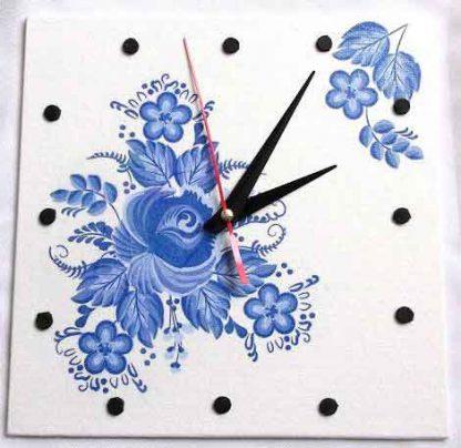 Ceas simplu de perete, ceas cu flori stilizate albastre 32546
