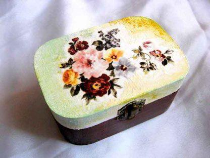 Cutie cu flori mov, roz, galbene, gri, cutie bijuterii femei 27482