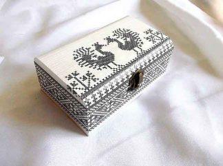 Cutie cu motiv traditional pasari stilizate, cutie lemn 32883