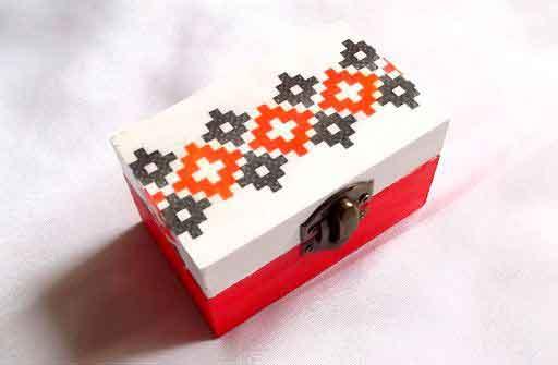 Cutie modele geometrice, cutie lemn cu motiv traditional 32134
