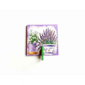 Magnet din lemn ghivece cu flori de musetel si levantica, magnet cu cleme 131532