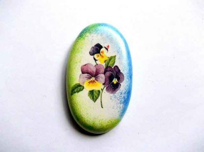 Magnet oval design petunii mov, violet si galbene, magnet frigider 32562