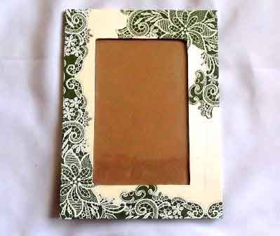 Rama cu elemente florale verzi, rama foto din lemn 32208